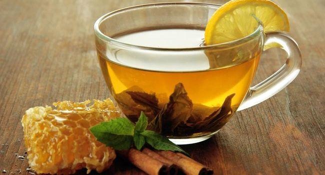 Чай с лимоном, медом и имбирем при кашля