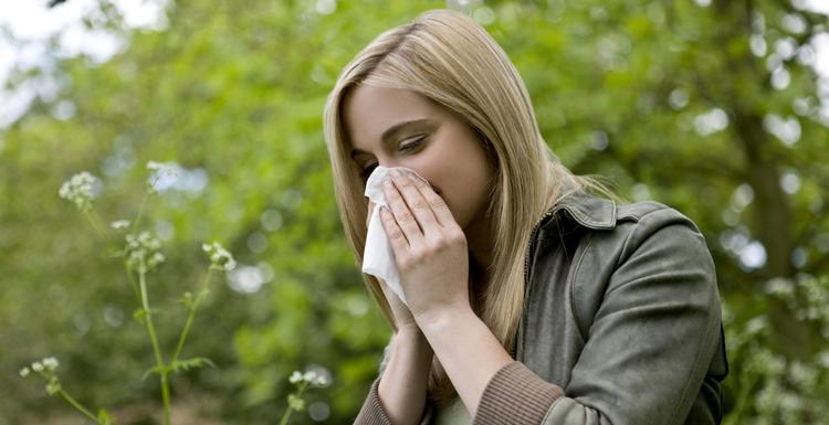 Девушка с аллергией