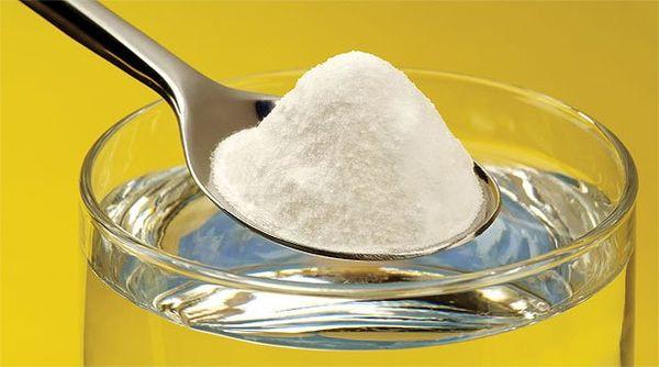 Соль, сода и вода для приготовления аналога Боржоми