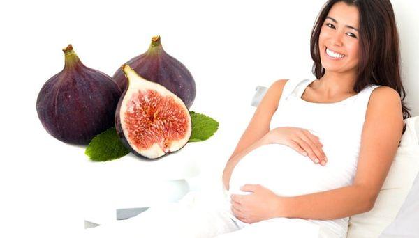 Беременная девушка и инжир