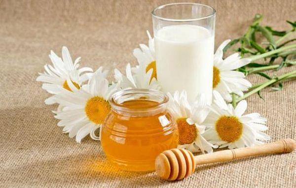 Мед и молоко с Боржоми при кашле