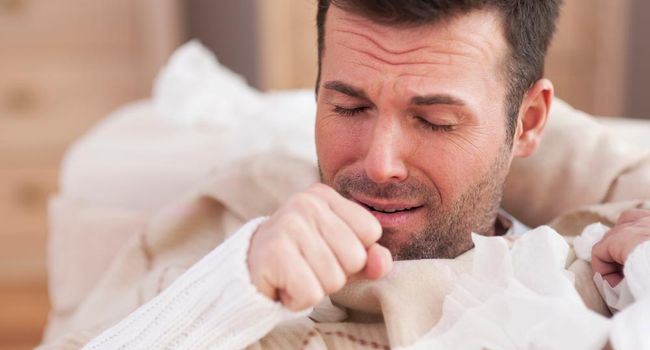 Сильный кашель у мужчины