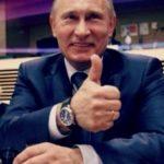 Путин показывает большой палец