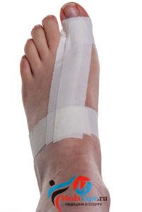Инструкция наложения тейпа на большой палец ноги в спорте - шаг 4